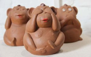 Mud Decoration Items That You Can Own