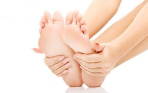Easy & Cheap Home Remedies for Crack Heel in Winter