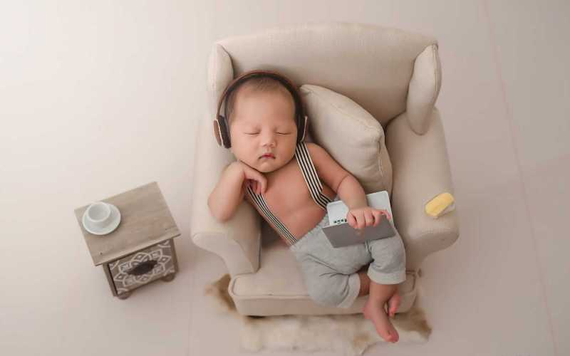 Newborn Photography Props You'll Need